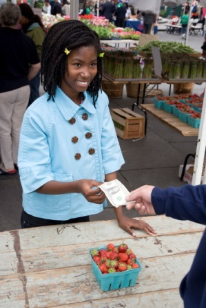 _MG_0973 Girl Paying for Tomatoes.jpg